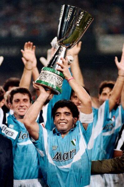 Diego Armando Maradona SSC Napoli   Supercoppa italiana 1990 scaled MUORE DIEGO ARMANDO MARADONA IL FUORICLASSE