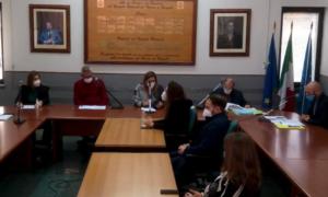 consiglio comunale di casapulla 300x180 CASAPULLA, VIA LIBERA ALLASSESTAMENTO DI BILANCIO