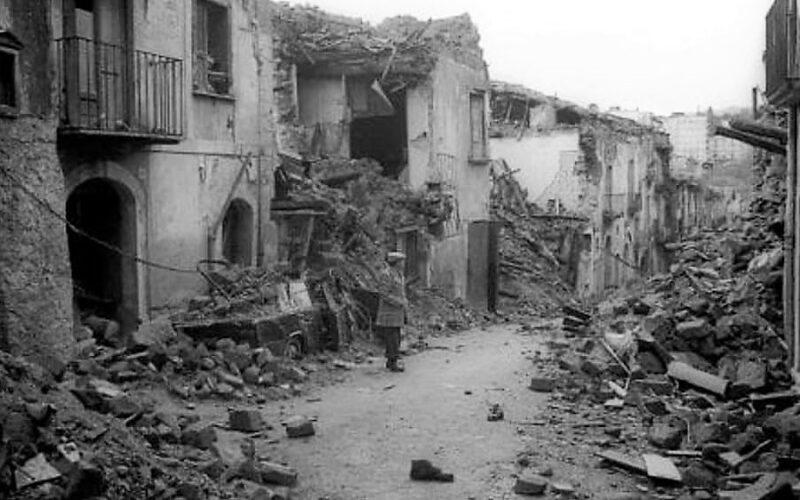 terremoto irpinia 23nov 2 scaled 23 NOVEMBRE 1980 23 NOVEMBRE 2020: 40 ANNI DAL TERREMOTO CHE TRASFORMÒ IL SUD IN PROFONDO SUD
