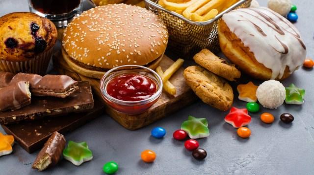 alimenti ultra processati I CIBI ULTRAPROCESSATI, UN PERICOLO PER LA SALUTE