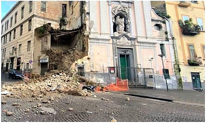 crollo chiesa napoli NAPOLI, CROLLA IL ROSARIELLO, CHIESA DEL 600