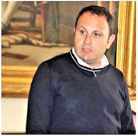 Italo Calenzo Sessa Aurunca ITALO CALENZO ALL'ATTACCO DEI GETTATORI DI FANGO
