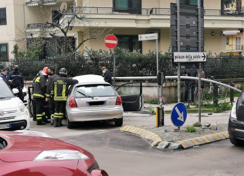 %name CASERTA, INCIDENTE STRADALE: SFIORATA LA TRAGEDIA