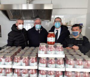 pomodori santanna foto1 300x255 ACLI CASERTA DONA PRODOTTI ALIMENTARI ALLOPERA SANTANNA