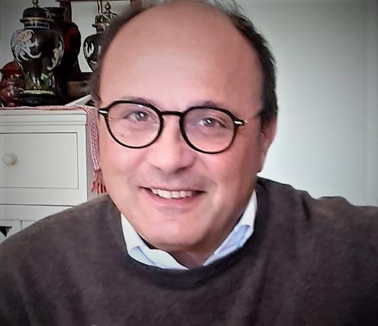 Antonio De Crescenzo PUC, INTERVISTA AL DR. ANTONIO DE CRESCENZO