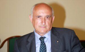 Santoro Michele 2 300x184 BAIA E LATINA, SANTORO DENUNCIA MANCATA RISPOSTA ALLE INTERROGAZIONI E MANCATA CONSEGNA DEGLI ATTI AMMINISTRATIVI