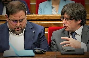 Carles Puigdemont a destra in una foto di repertorio con Oriol Junqueras SPAGNA: ELEZIONI GENERALI NEL 2022?