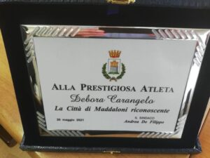 %name MADDALONI OMAGGIA LA CESTISTA DEBORA CARANGELO