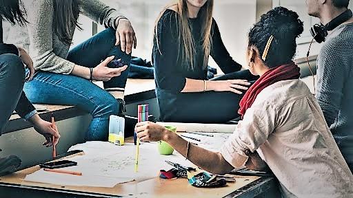 giovani lavoro CONTRATTI FLESSIBILI: PIÙ DONNE E GIOVANI AL LAVORO