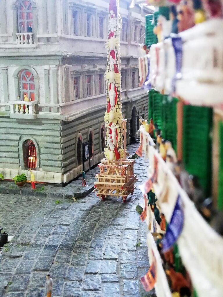 Foto plastico Nola2 768x1024 MUSEO STORICO ARCHEOLOGICO DI NOLA, FESTA DEI GIGLI IN MINIATURA: INAUGURAZIONE DEL PLASTICO DI PIAZZA DUOMO