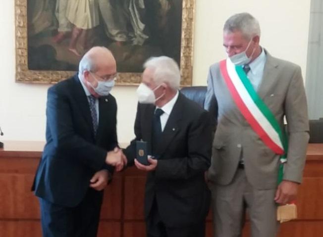 medaglia martucci casapulla3 CASAPULLA, MEDAGLIA DONORE ALLA MEMORIA DI PIETRO MARTUCCI