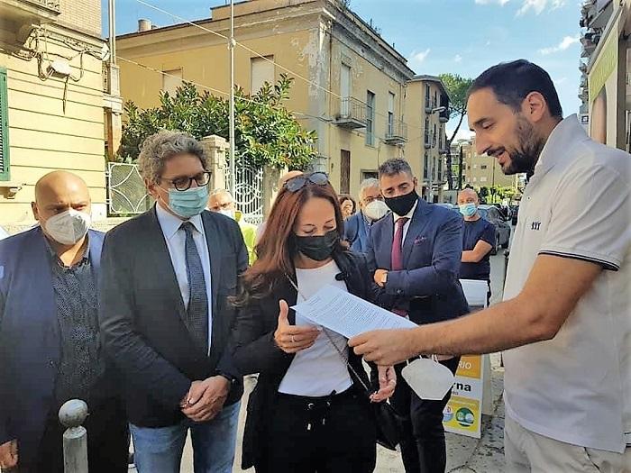 """%name LA VICEPRESIDENTE DEL SENATO PAOLA TAVERNA A SANTA MARIA C.V. PER IL POTENZIAMENTO DEL """"MELORIO"""""""