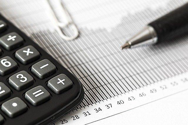 calculator 1680905 640 INVESTIMENTI: IL SUCCESSO TRADING ONLINE PROSEGUIRÀ ANCHE NEL POST COVID?