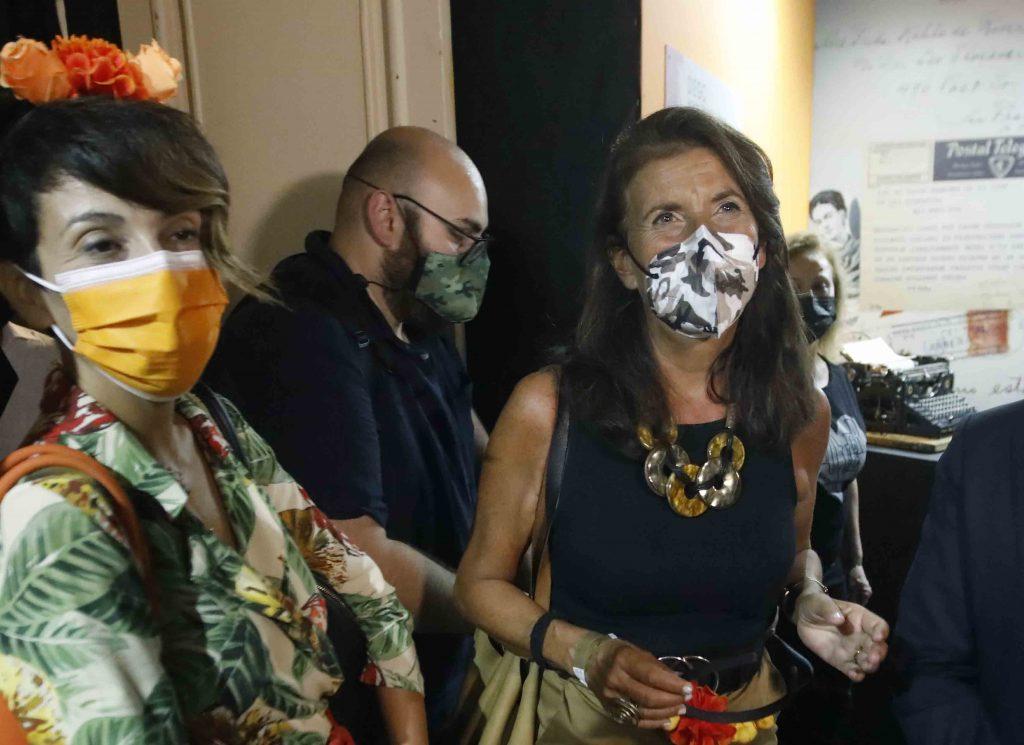 da sx assessore Donatella Chiodo e assessore Annamaria Palmieri Mostra Frida Kahlo Napoli 1 1024x745 NAPOLI, A PALAZZO FONDI LA MOSTRA DEDICATA A FRIDA KAHLO