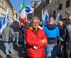 1 2 300x243 UGL CASERTA PROTESTA A ROMA PER CANCELLAZIONE CONTRATTI LAVORO
