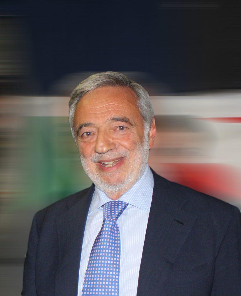 Luigi Nicolais 1 832x1024 CAVALLI E CAVALIERI, CAROSELLO STORICO NELLA REGGIA DI CARDITELLO